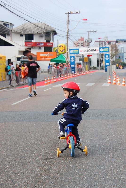 5ª Corrida e Caminhada IOT Corville 2014 - Guilherme pedalando